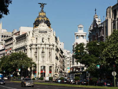 Madrid | Calle de Alcalá with Edificio Metrópolis