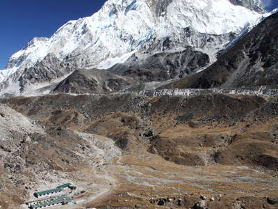 Lobuche and Nuptse (7861 m)