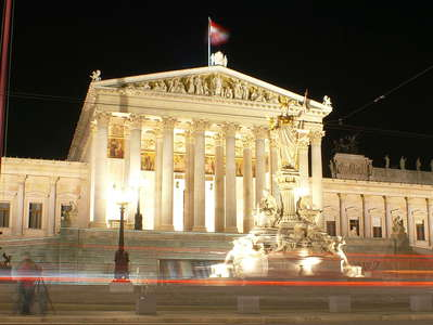 Wien  |  Ringstrasse and Parlament