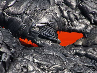 East Rift Zone  |  Lava flow with active lava tube