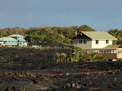 Kalapana  |  Homes on lava