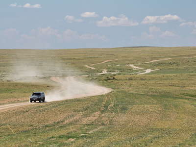 Gobi  |  Dry steppe with rural traffic