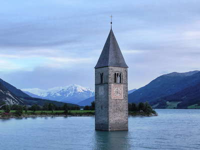 Graun  |  Reschensee with clock tower