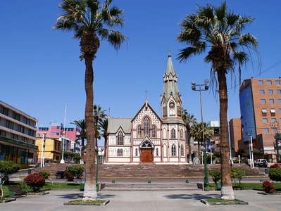 Arica  |  Plaza Colón and Catedral San Marcos