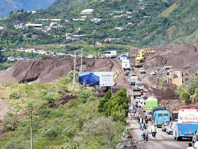 Baños  |  Road blocked by lahar flow