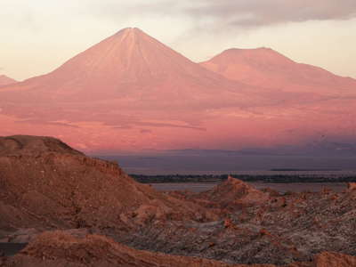 Volcán Licancabur at sunset