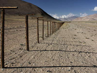 Khargush Pamir  |  Fence between former USSR and PR China