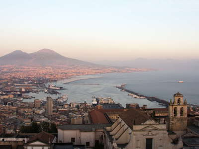 Nápoli and Vesuvio at sunset