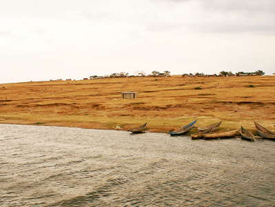 Queen Elizabeth NP  |  Kazinga Channel and village