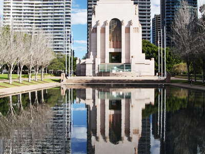 Sydney  |  Lake of Reflections and ANZAC Memorial