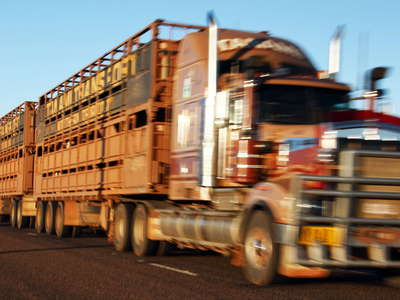 Alice Springs - road train on Stuart Highway
