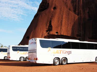 Uluru / Ayers Rock  |  Mass tourism