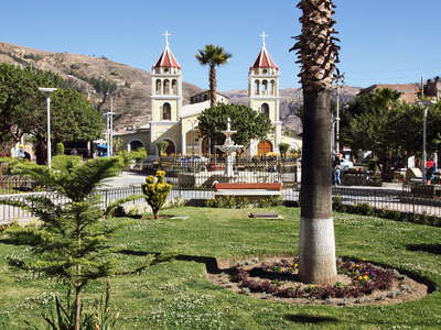 Huaraz  |  Plaza and Iglesia de Belén