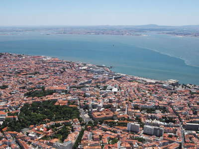 Lisboa  |  City centre and Rio Tejo
