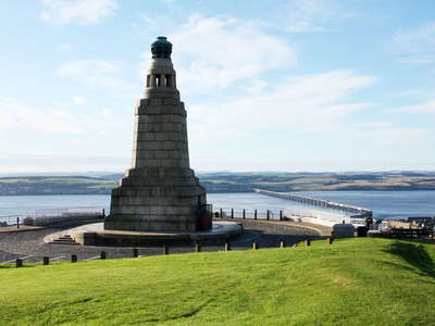 Dundee  |  Dundee Law and Firth of Tay