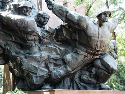 Almaty  |  War monument in Panfilov Park