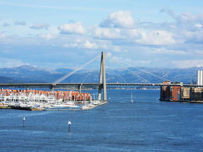 Stavanger  |  Straumsteinsundet with City Bridge