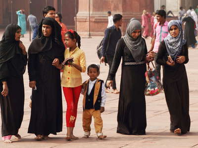 Delhi  |  People at Jama Masjid