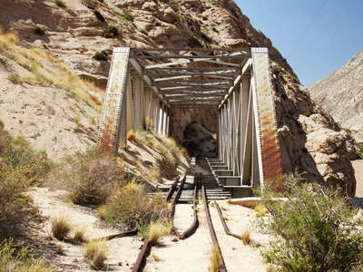 Valle Mendoza  |  Railway bridge with debris flow