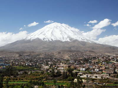 Arequipa  |  Suburbs and Misti