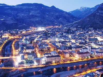 Bozen / Bolzano | City centre at night