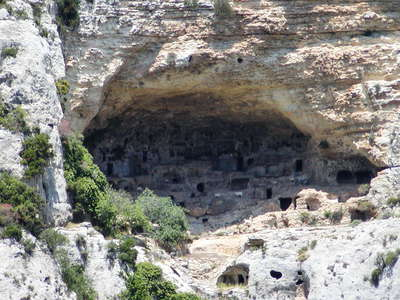 Cavagrande del Cassibile | Necropolis and cave dwellings