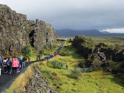 Þingvellir | Tectonic fault and tourists