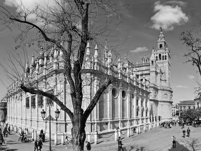 Sevilla | Cathedral with La Giralda
