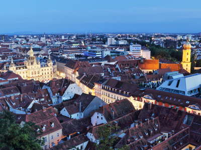 Graz | Historic centre at night