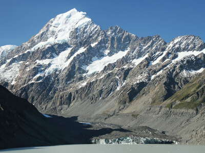 Hooker Lake with Aoraki / Mt. Cook
